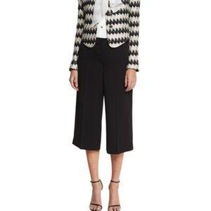 ST JOHN yellow tag black long shorts/Capri size 10